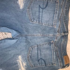 American eagle short super stretch ripped jeans.
